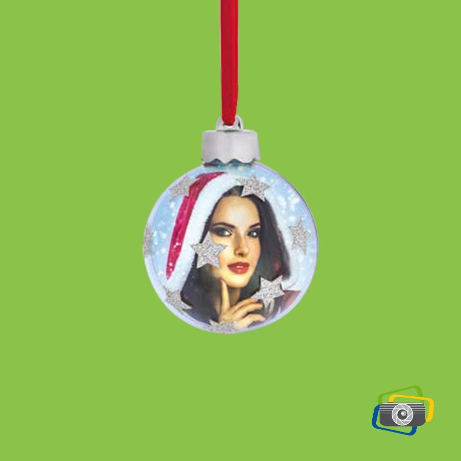 palla di Natale con stelle argentate